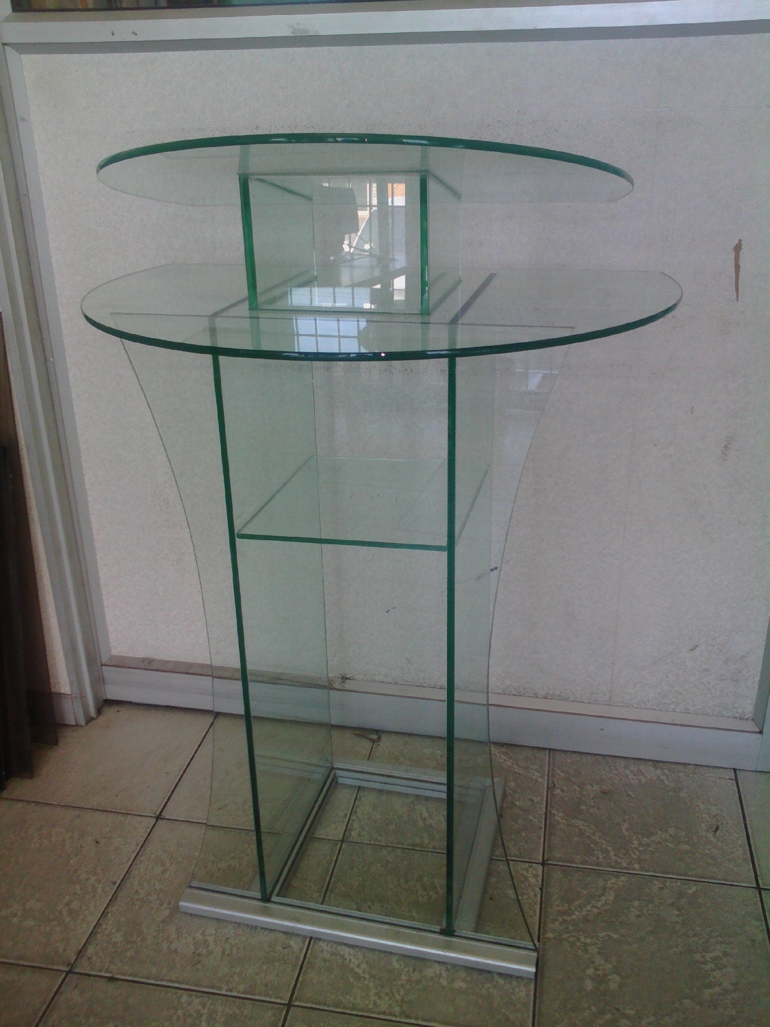glass-pulpit-podium-bible-stand