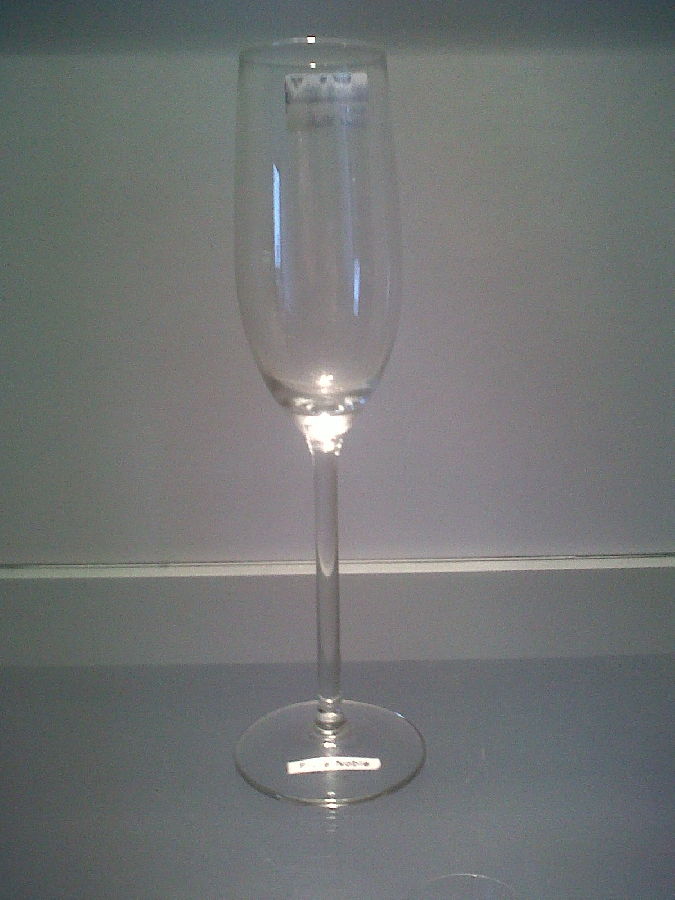 wine-glasses-flute-noble