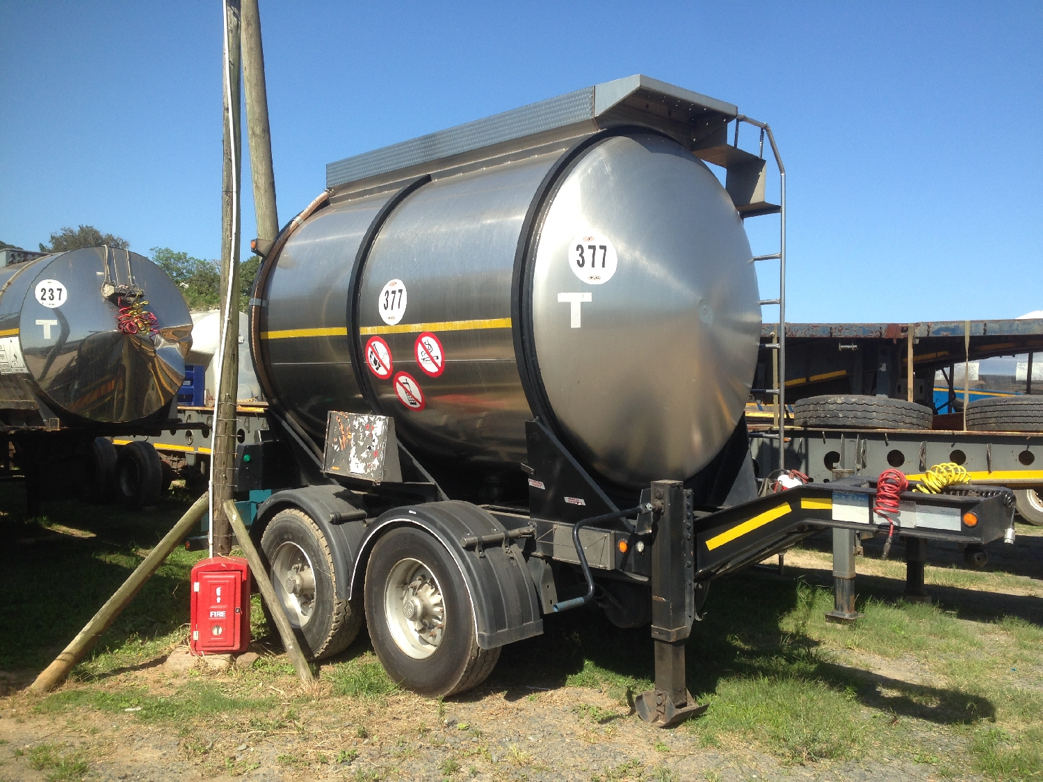 various-ss-pup-tanker-trailers-available